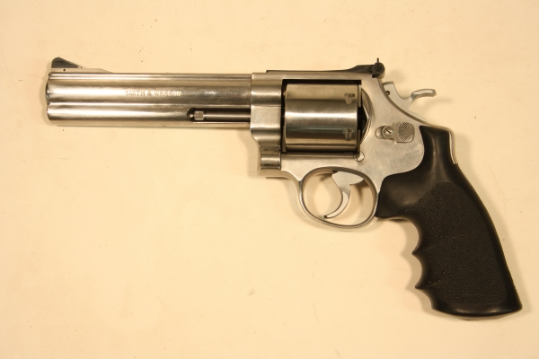 Smith & Wesson 629-1 caliber .44M/.44SP